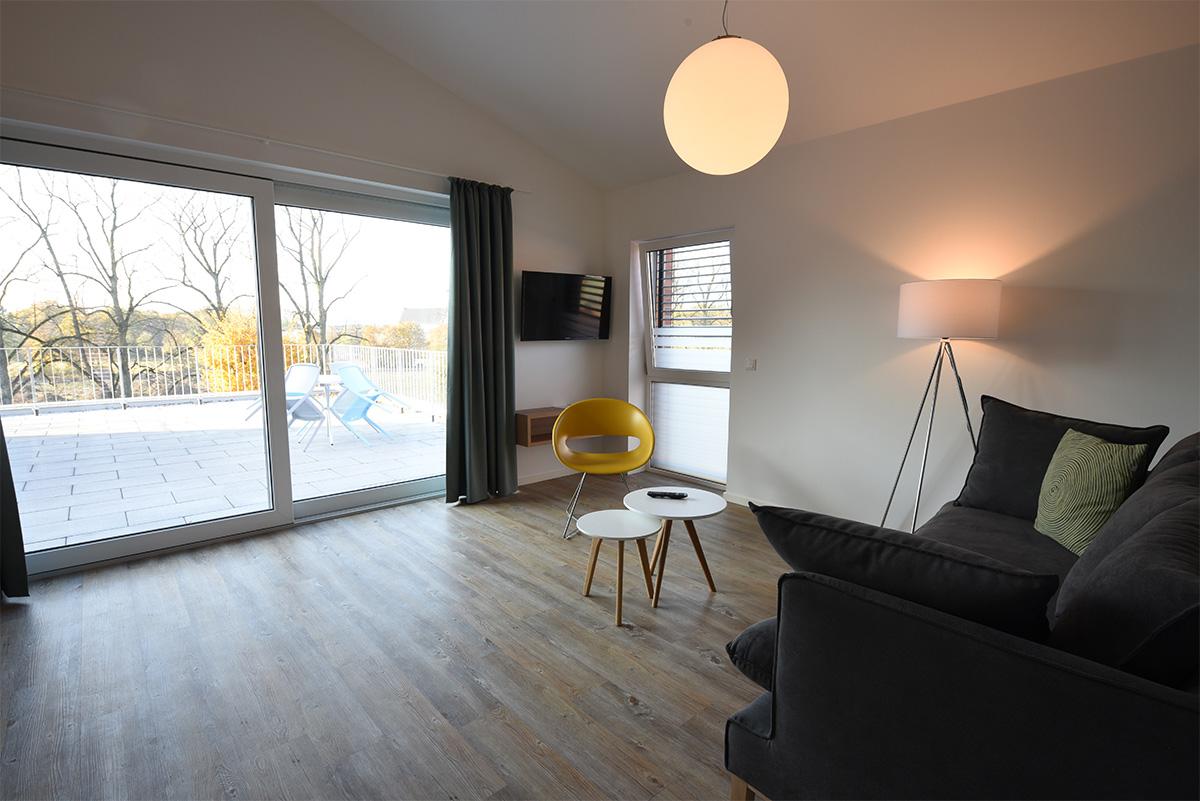 penthouse steverbett. Black Bedroom Furniture Sets. Home Design Ideas